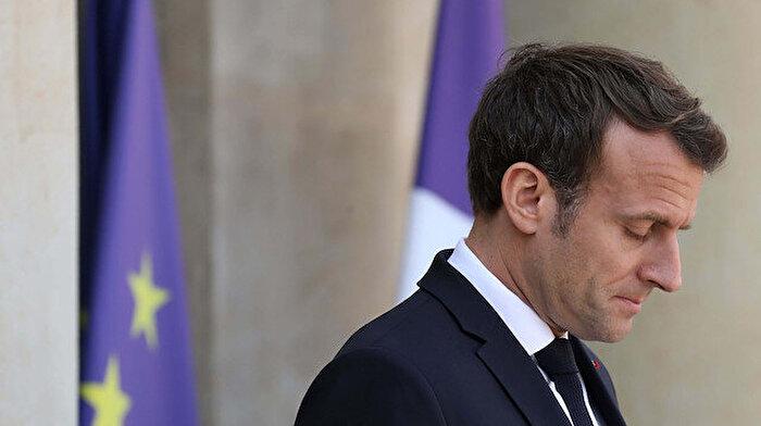 Macron'a Fransa'da huzur yok: Gittiği tiyatroda protesto edildi