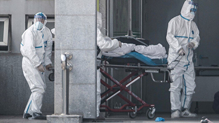 😷 Çin'de can kaybı 426'ya yükseldi