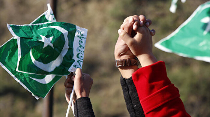 Pakistan halkı Keşmir Müslümanlarıyla dayanışıyor