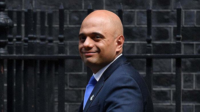 İngiltere'de Johnson'ın teklifine istifa ile yanıt