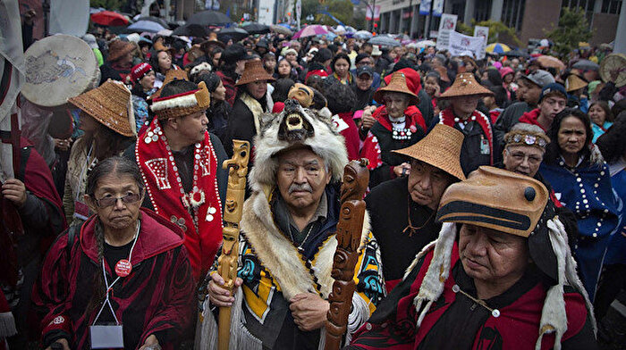 Kanada'da First Nation yerlileri direniyor: Toprağımızı geri verin
