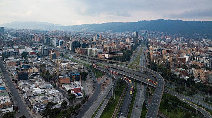 Kolombiya provaları süren sokağa çıkma yasağını tam ve zorunlu hale çeviriyor