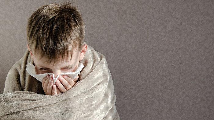 İran'da 6 yaşındaki çocuk koronavirüsten hayatını kaybetti