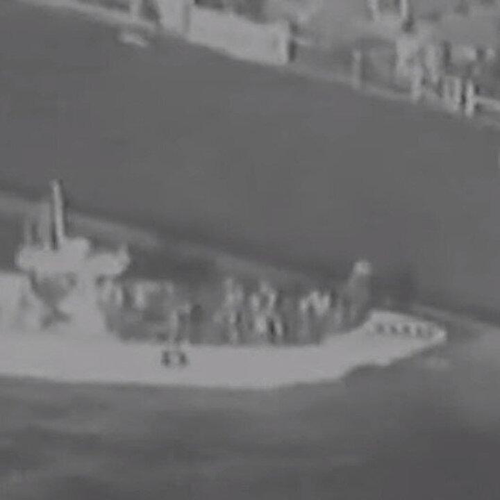 Pentagon, İran'ın vurulan tankerden patlamamış mayınları topladığını iddia etti