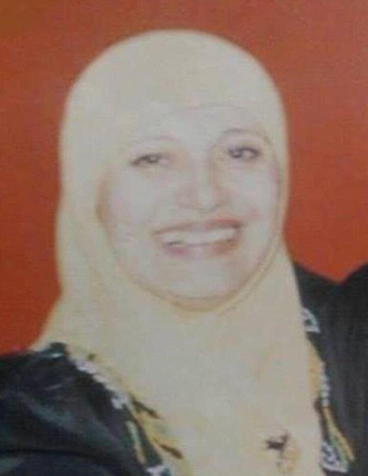 Genç yaşında şöhreti elinin tersiyle iten Medîha Kâmil, vefatına kadar triko atölyesinde kıyafet üretip satarak seçimini sağladı.