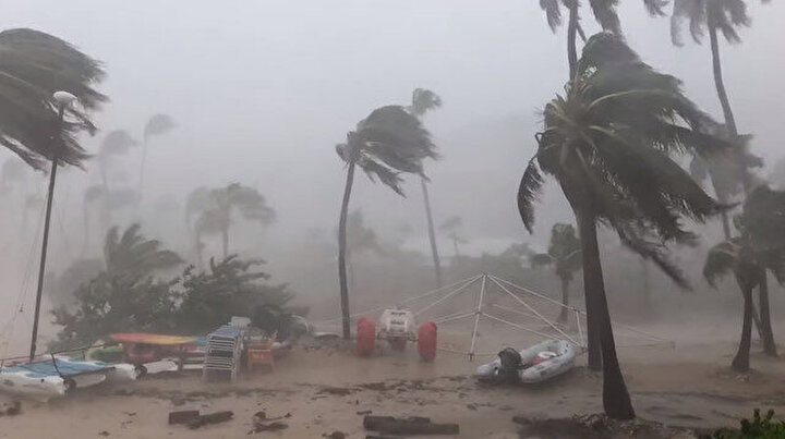 Beklenen Dorian Kasırgası Bahamalar'ı vurdu