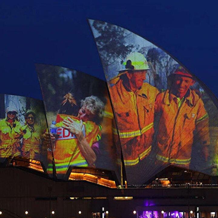 Sydney Opera Binası bu sefer itfaiyeciler için ışıklandırıldı