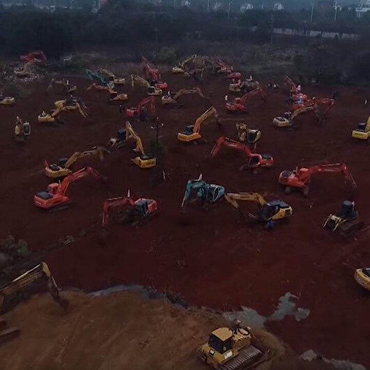 Wuhan, virüsün neden olduğu hastaları kabul etmek için özel bir hastane inşa ediyor