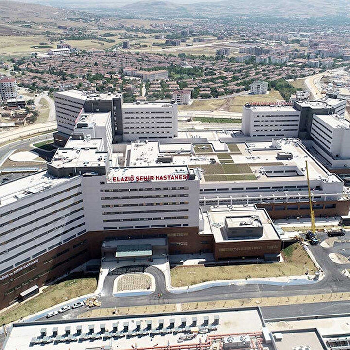 Elazığ Fethi Sekin Şehir Hastanesi'nde, 6.8'lik deprem 3.1 olarak hissedildi