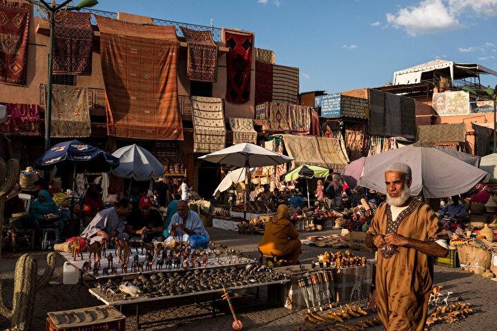 Fas'ın Marakeş kentindeki küçük yerel işletmeler.