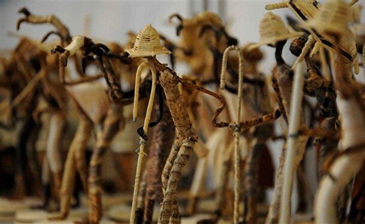 Mersin'de düzenlenen 2. Avrasya el sanatları ve hediyelik eşya günleri fuarı, 30 ülkeden 200 firmanın katilimi ile acildi.