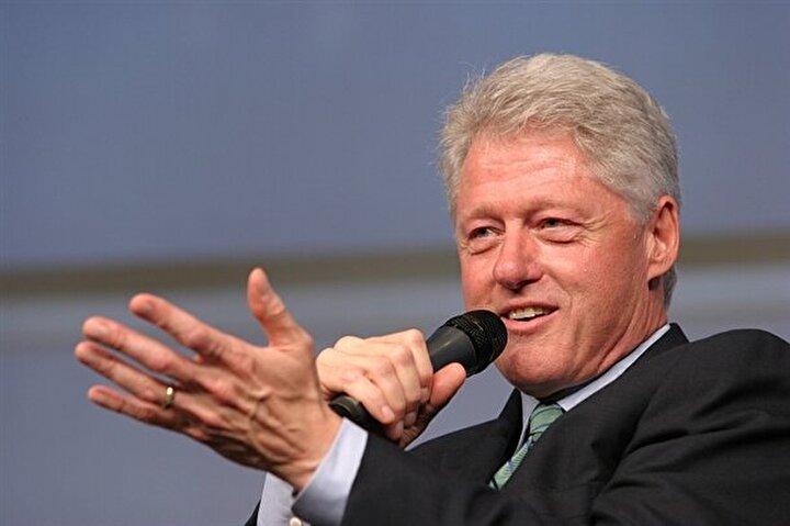 Bill Clinton: ABD Başkanının kariyerini yakan da bir kadın. Beyaz Sarayda staj yapan Monica Lewinsky, Bill Clinton ile ilk kez bir kokteylde karşılaştı. Bir süre sonra Lewinskynin bir arkadaşı, Linda Tripp, gizli aşıkların telefon konuşmalarını kaydetmeye başladı. Tripp kaydettiği kasetleri, eski temyiz mahkemesi yargıcı Kenneth Starra yolladı.Bunun sonunda Lewinsky olayı gündeme oturdu. Clinton, Ben o kadınla birlikte değilim dedi ama kimse inanmadı.