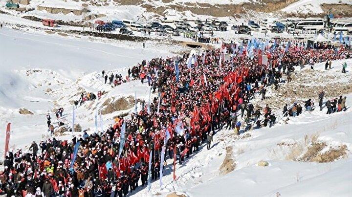 Türkiye 90 bin Sarıkamış şehidine yürüdü