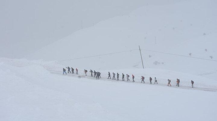 Doğa yürüyüşünün böylesi: Kent merkezinden 2 bin metre yukarı
