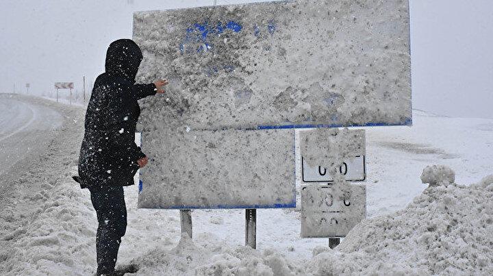 Sivasta kar etkili oldu 24 köy yolu kapandı
