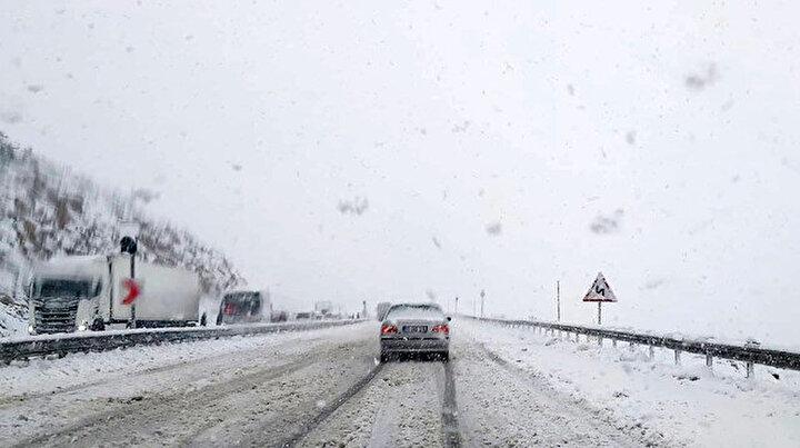 Antalyada kar yağışı etkili oluyor