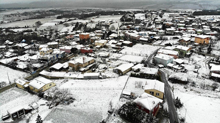 İstanbulun bazı ilçelerinde kar yağışı etkili oldu
