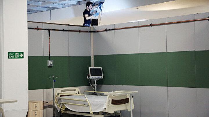İranda fuar ve spor salonları hastaneye dönüştürülüyor