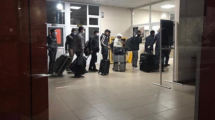 Yurt dışından getirilen yüzlerce Türk karantinada