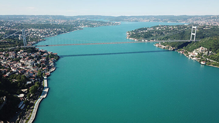 İstanbul Boğazı neden turkuaza büründü