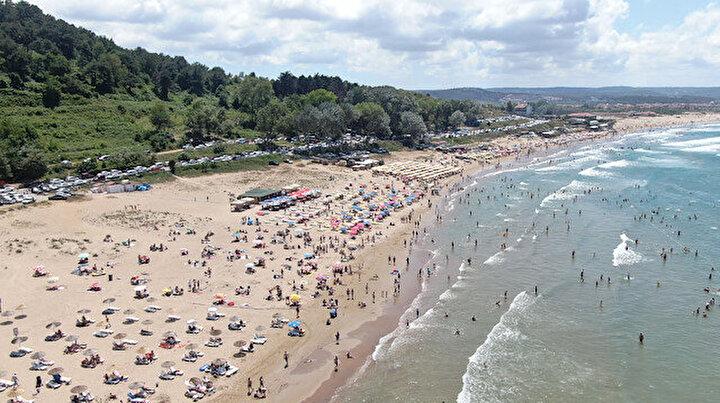 Korona Şile sahilinde kol geziyor: Günübirlikçiler akın etti, sosyal mesafe sıfır