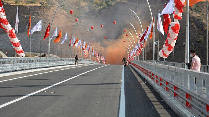 Türkiyenin en yüksek köprüsü açıldı