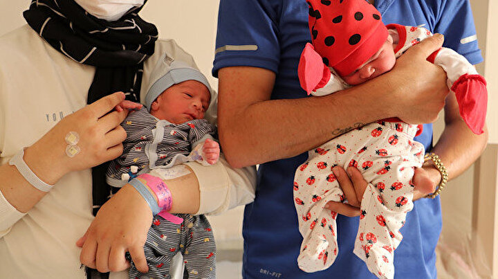 Anne olamazsın denildi, kanseri yenip, tüp bebekle ikizlerini dünyaya getirdi