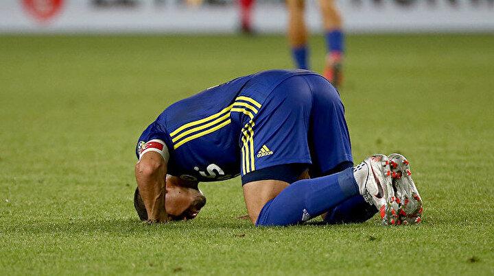 Fenerbahçede Emre Belözoğlu aktif futbolculuk kariyerini gol atarak sonlandırdı