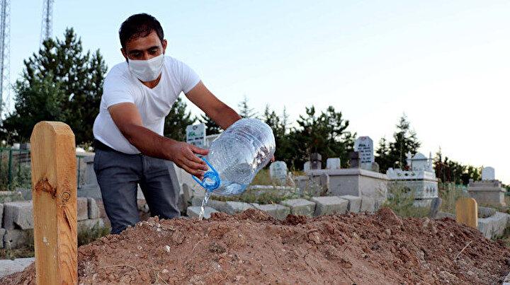 36 gün sonra koronavirüsü yendi babasının mezarına koştu: Bu hastalığı hafife almayın!