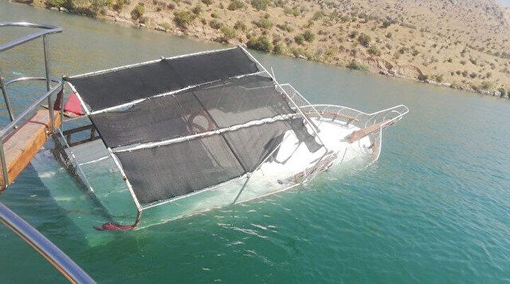 Tur teknesinin batması nedeni belli oldu: Yolcu hatası