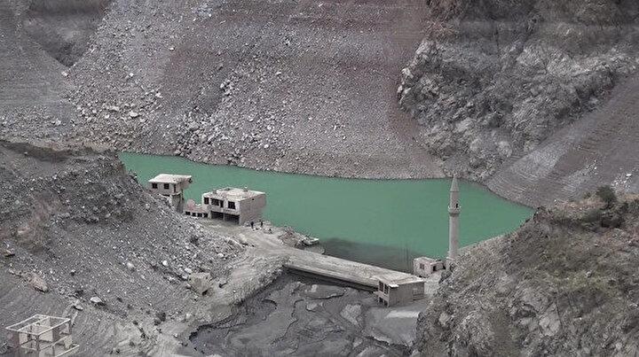 Artvinde korkutan görüntü: Baraj suları çekilince ortaya çıktı