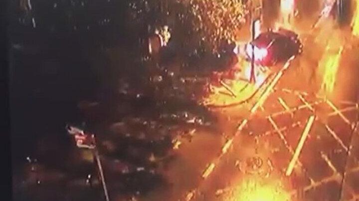 Kadıköydeki tarihi çeşme bir aracın çarpması sonucu paramparça oldu
