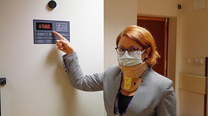 Tüm dünyada yankı uyandıran Prof. Dr. Şahinin aşısı ilk kez görüntülendi: Eksi 72 derecede, kilitli dolapta saklanıyor
