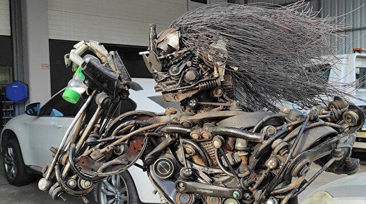 Otomobil parçalarıyla Nusret yaptı