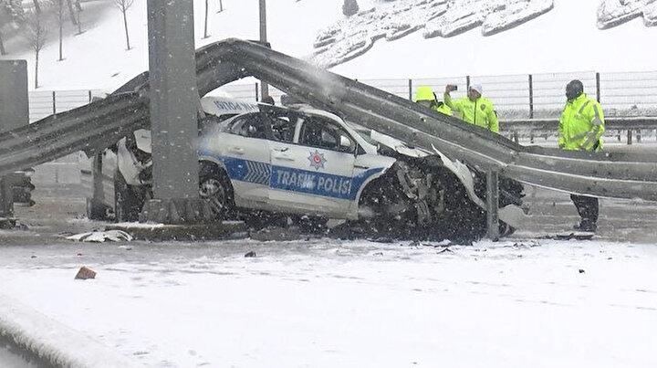 Beşiktaşta sivil polis aracı trafik polisi aracına arkadan çarptı: 3 polis yaralandı