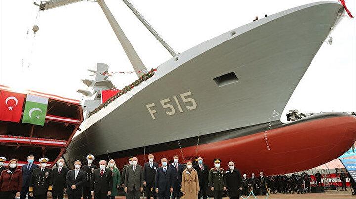 Milli gemi İstanbul denizle buluştu