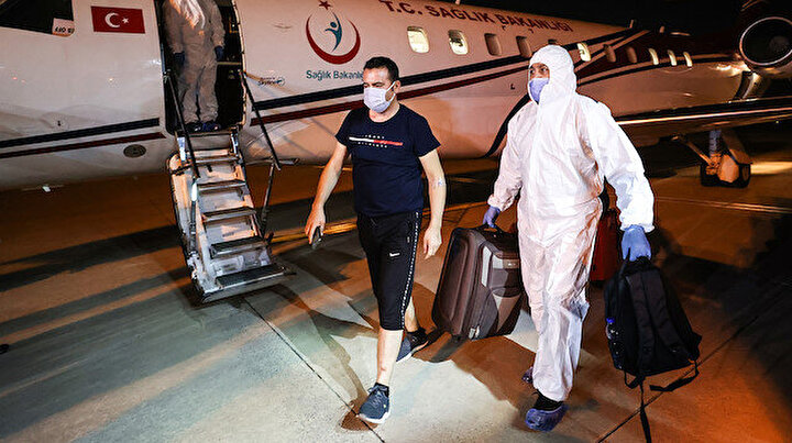 Tanzanyadaki koronavirüs hastası üç Türk vatandaşı ambulans uçakla yurda getirildi