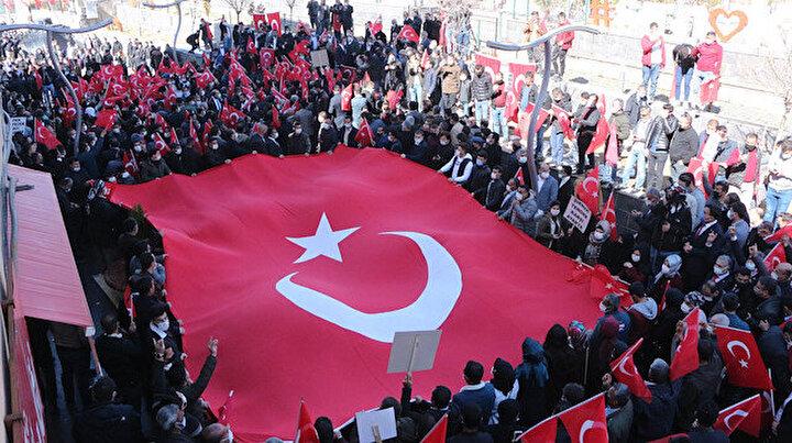 Teröre karşı tek yürek: Şırnakta terör örgütü PKKya tepki yürüyüşü