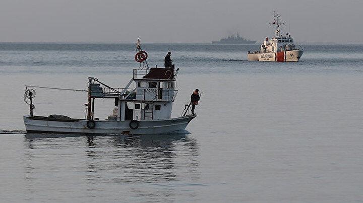 Gökçeadada tekne faciası: Kayıp iki kişiyi arama çalışmaları sürüyor