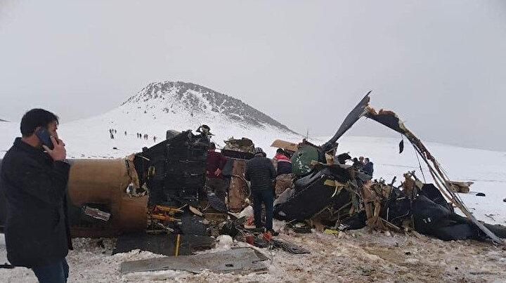 11 kahramanın şehit olduğu helikopterin enkazındaki incelemeler sürüyor