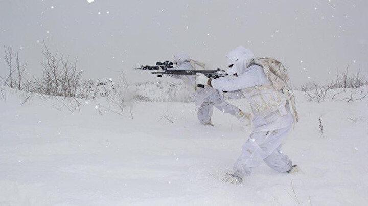 Kar altında terörist avı
