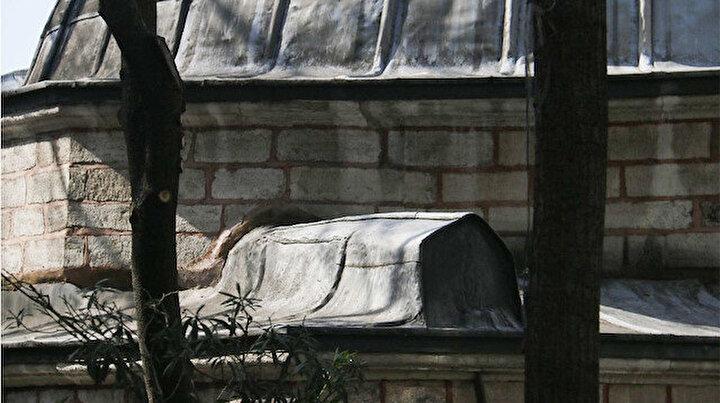 İstanbul Fatihteki caminin dünyada eşi benzeri yok: Kubbesinde tabut bulunuyor