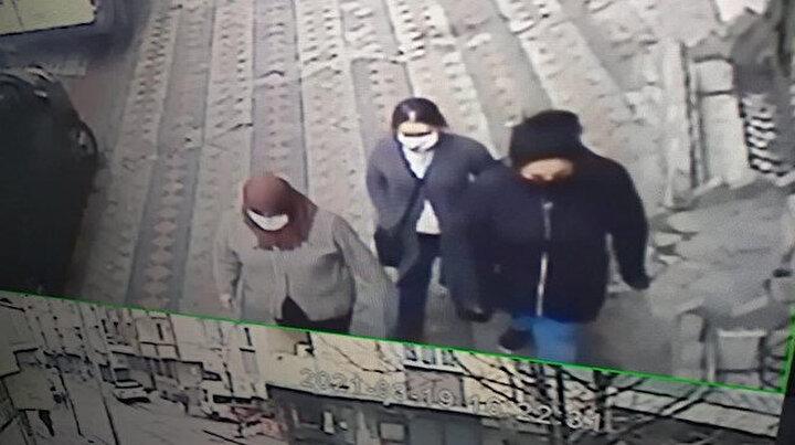 Sultangazideki evlere dadanan kadın hırsızlar kamerada: Önce zile basıyorlar sonra eve giriyorlar