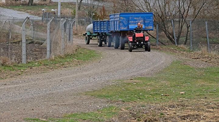 Hurda parçalarla mini traktör yaptı: Saatte 50 km hıza ulaşabiliyor