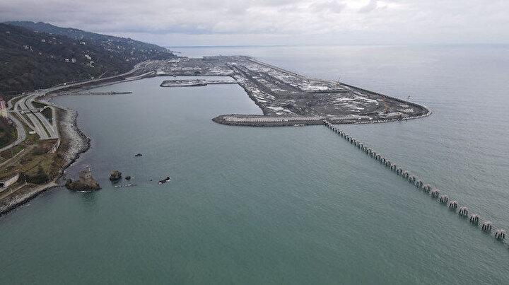 Türkiyenin deniz üzerine inşa edilen ikinci havalimanı olacak: Yüzde 80i tamamlandı