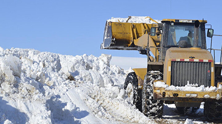 Ağrı'da mart ayında karla zorlu mücadele
