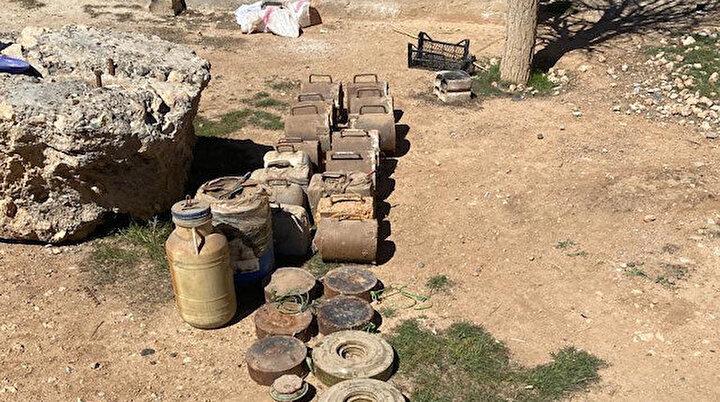 Toprağa gizlenmişti: PKK/YPGye ait 693 kilo patlayıcı ele geçirildi