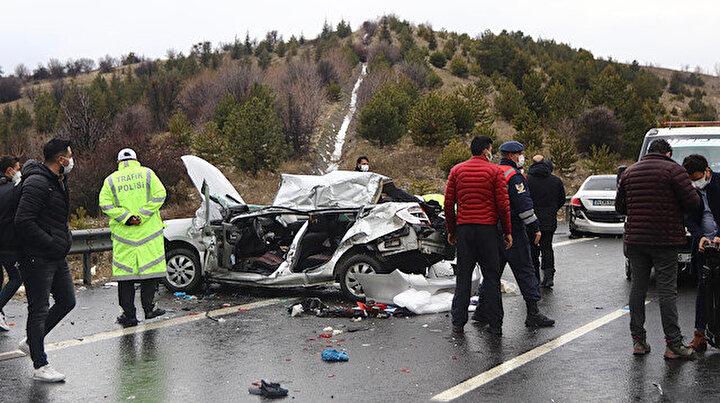 TEMde dolu yüzünden zincirleme kaza: 4 ölü, 5 yaralı