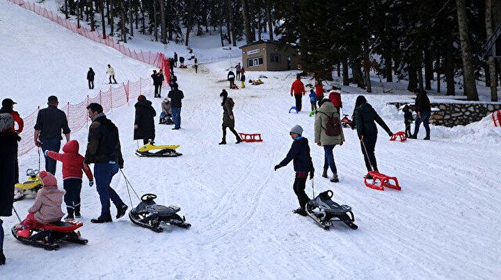 Ilgaz Dağında kayak sezonu bitmedi: Tatilciler de işletmeciler de memnun