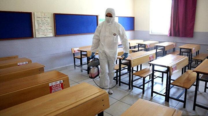 Dört ilde koronavirüs karantinası: Bir öğrencide çıktı eğitime 9 gün ara verildi